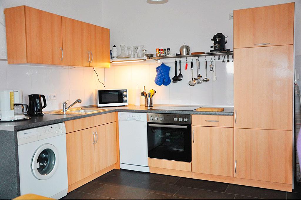 ferienwohnung roter kater. Black Bedroom Furniture Sets. Home Design Ideas